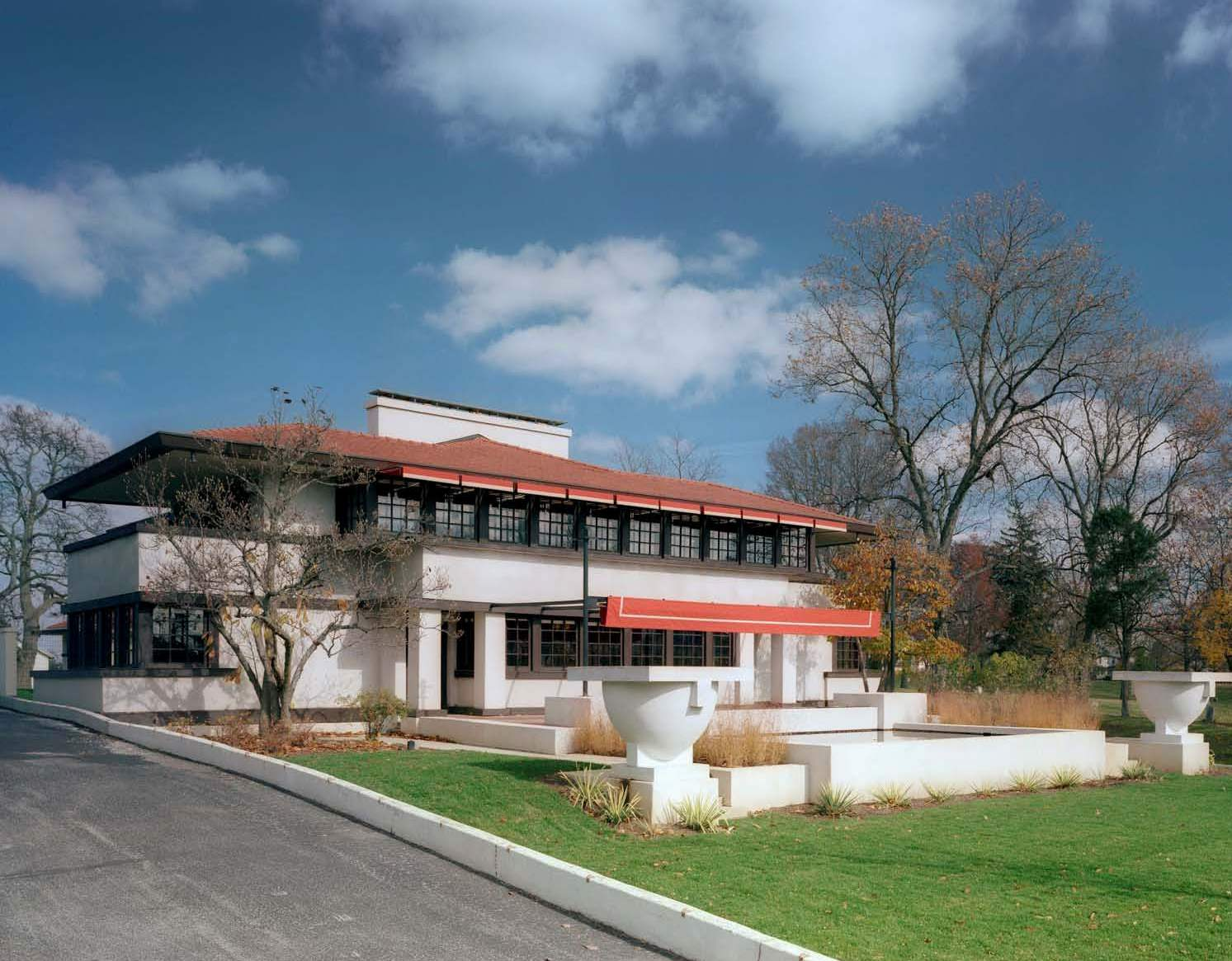 A frank lloyd wright treasure in springfield oh for Building a home in ohio
